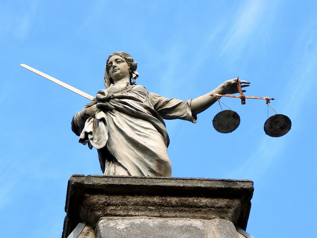 Le droit de retour légal des frères et sœurs du défunt et la donation en époux