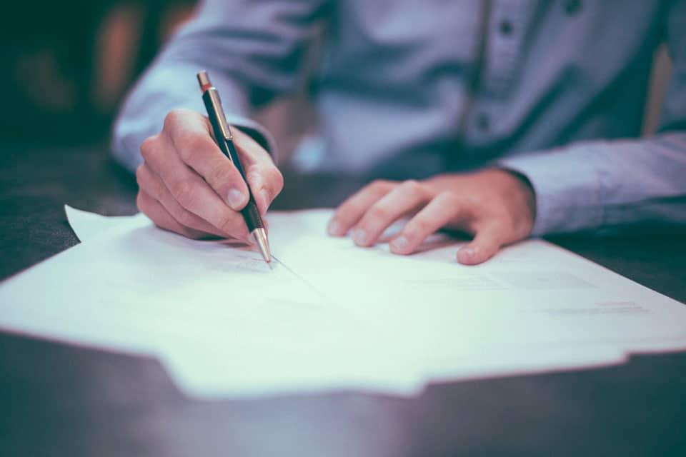 Le testament authentique et la dictée au notaire