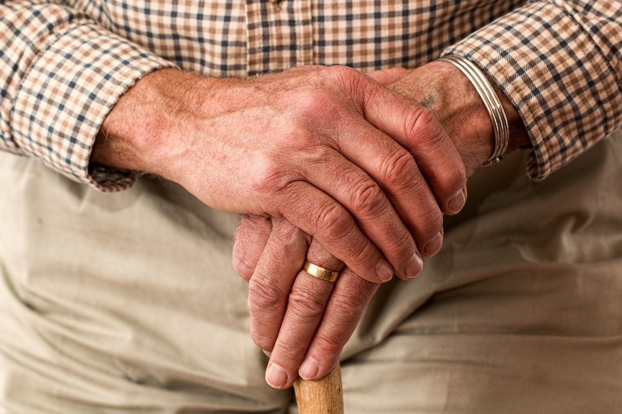 La nouvelle incapacité de recevoir des personnes dédiées au service à la personne
